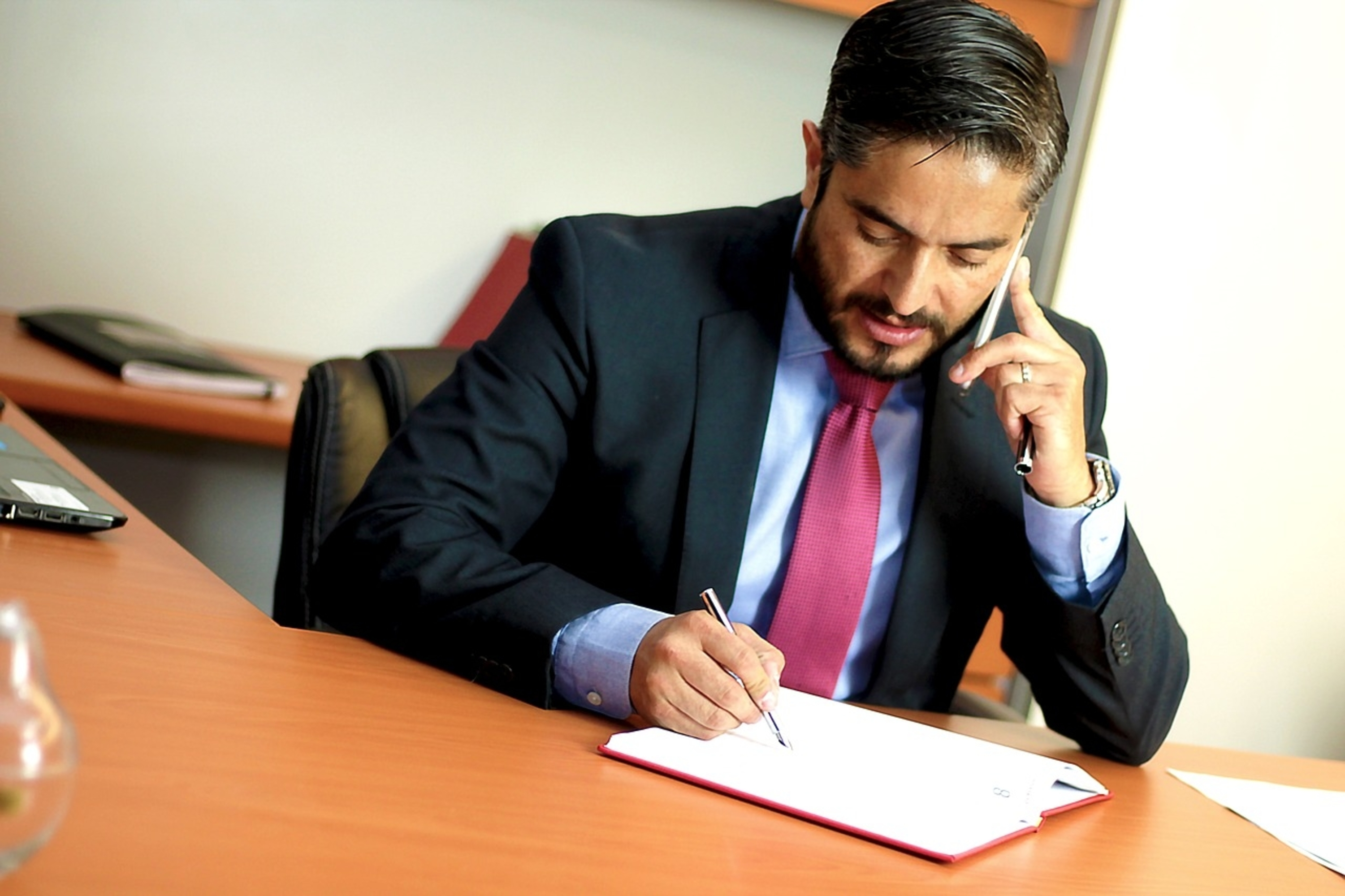 As an expert in his profession, he can organize the legal side of your business.